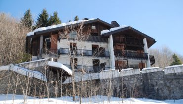 Limonetto – Villa Anthillis: penthouse with mansard inside a big Chalet on the road to Limonetto