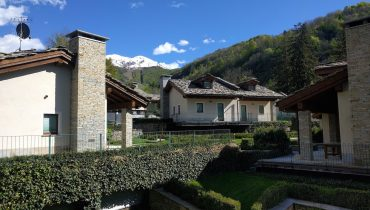 Maneggio Ski Area – Lu Carfat-Mountain apartment SKI IN & OUT