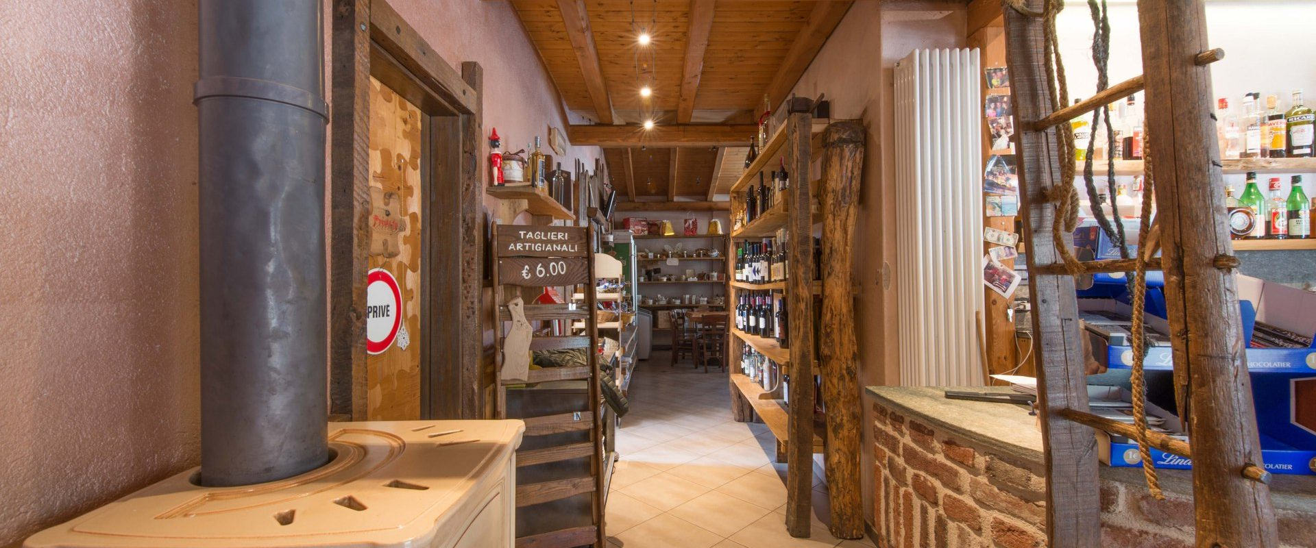 "Vernante ""El Ciamin"" Osteria and resale of typical products on State Road 20 of Colle di Tenda"
